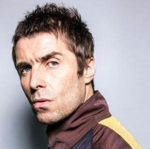 自身の怪我を報告したリアム・ギャラガー(画像は『Liam Gallagher 2021年2月17日付Instagram「That's my middle name...」』のスクリーンショット)