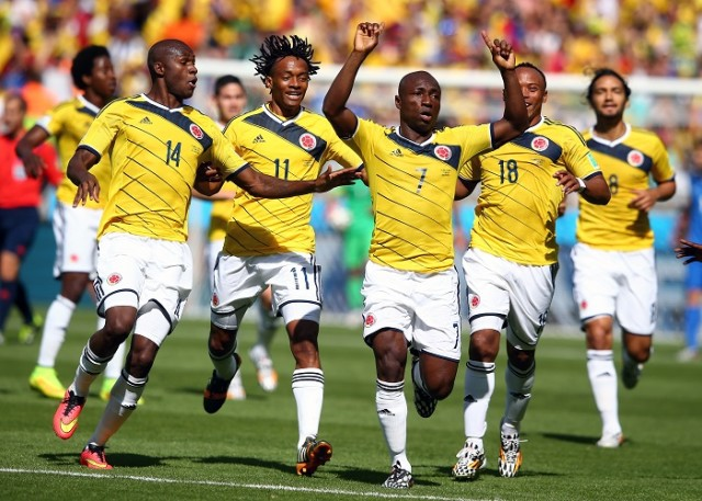 日本と同組の対戦、開始早々の得点でコロンビアがリードし前半終了