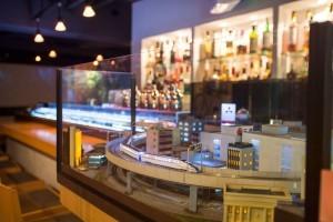 鉄道模型店がジオラマバー開店