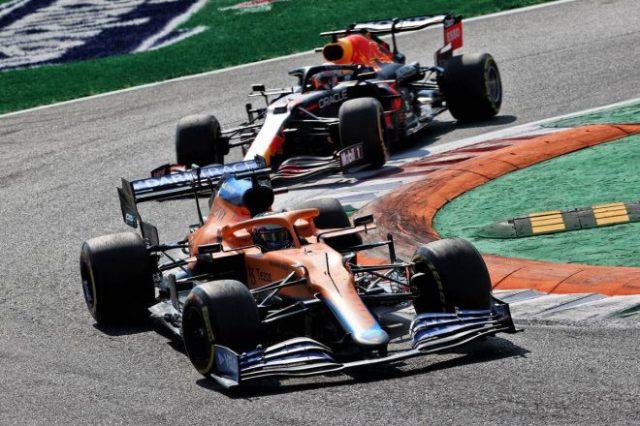 2021年F1第14戦イタリアGP ダニエル・リカルド(マクラーレン)&マックス・フェルスタッペン(レッドブル・ホンダ)