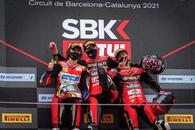 カタルーニャGPのレース1で表彰台を獲得したレディング、リナルディ、バッサーニ
