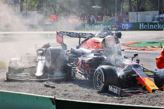2021年F1第14戦イタリアGP決勝 接触したルイス・ハミルトン(メルセデス)とマックス・フェルスタッペン(レッドブル・ホンダ)