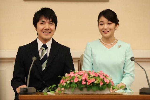 9月3日、婚約会見での眞子さまと小室圭さん
