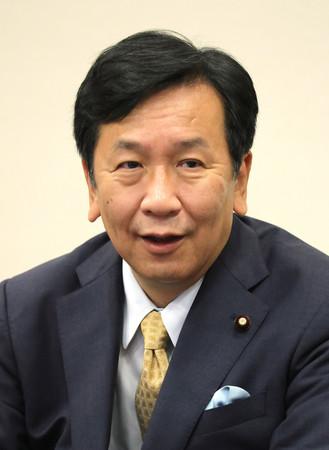 インタビューに答える立憲民主党の枝野幸男代表=14日午前、東京・永田町