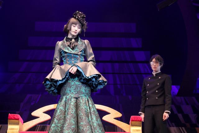 演劇調異譚「xxxHOLiC」ゲネプロの舞台写真(C)©CLAMP・ShigatsuTsuitachi CO.,LTD./講談社