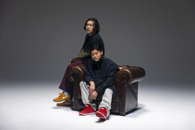変態紳士クラブのVIGORMAN(左)とGeGプロデュースのもとアーティストデビューが決定した那須川天心(右)